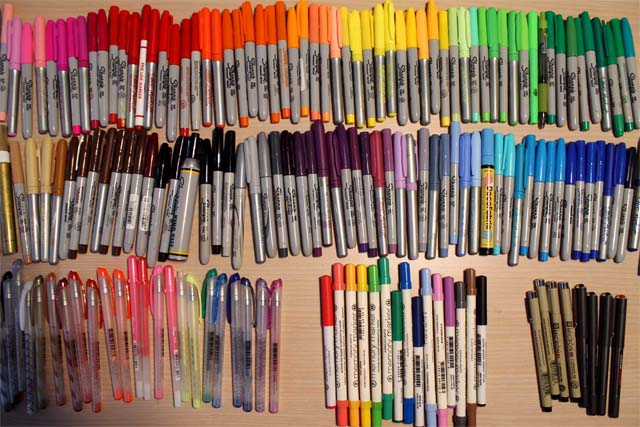 as i was unpacking pens sharpies and markers i decided to sort them