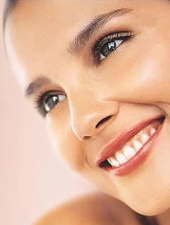 cara linda, mujer linda, mujer hermosa, mujer bonita, cara sin manchas, mujer modelo, modelo, risa bonita, dientes blancos, bonita sonrisa, dientes bonitos, mujer con dientes blancos, mujer conlos dientes blancos, rostro sin manchas