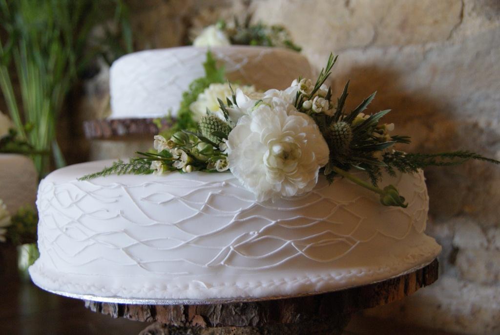 Dave+%26+Catherine%27s+Wedding+-++Cake+02.JPG