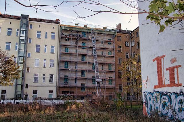 Baustelle Bernauer Straße / Wolliner Straße, Fassadenarbeiten, 10435 Berlin, 31.10.2013