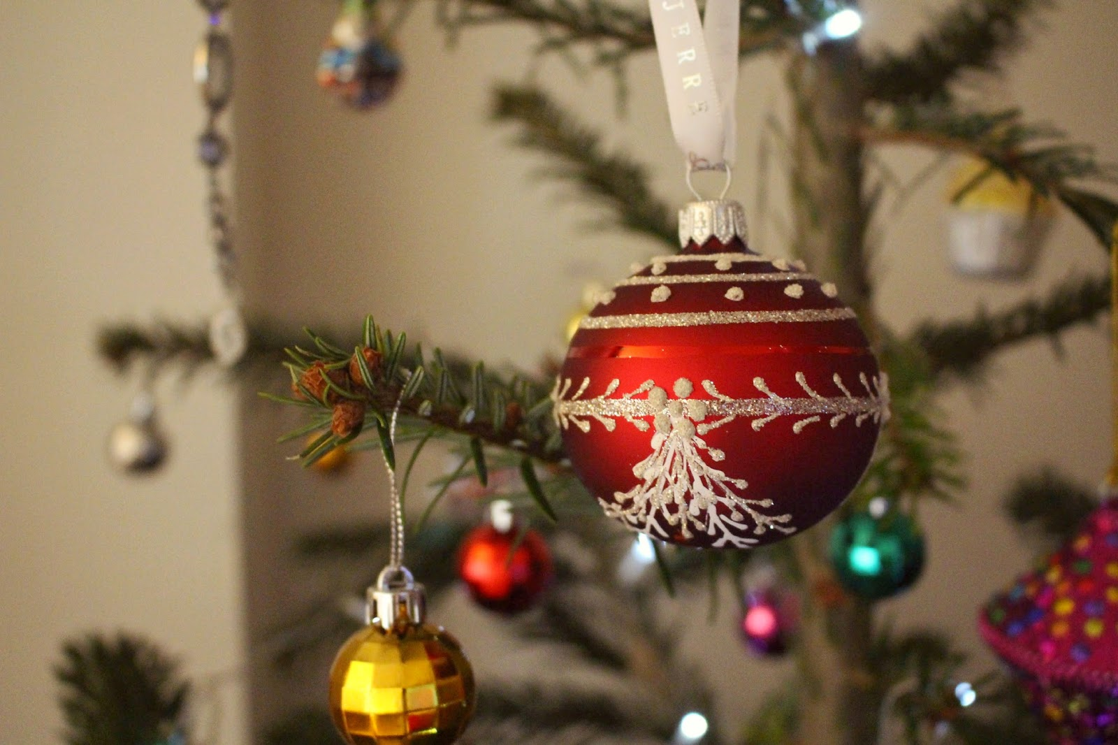 We Never Stick To A Colour Code For The Baubles Or Anything But Prefer Collect Decorations Which Love Four Tree Above