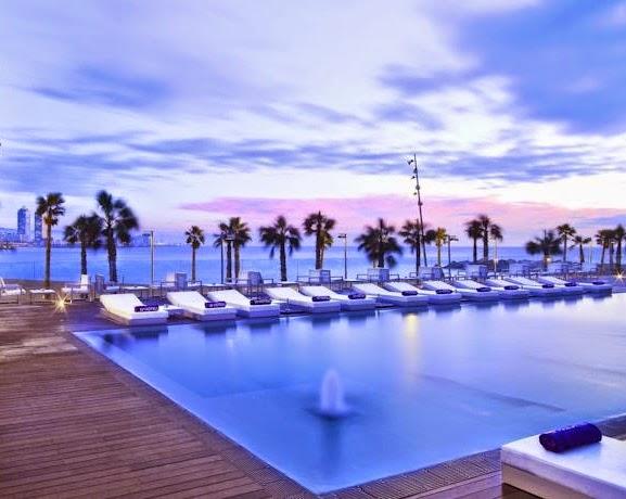Viajar a barcelona diez hoteles junto al mar en barcelona for Hoteles junto al mar