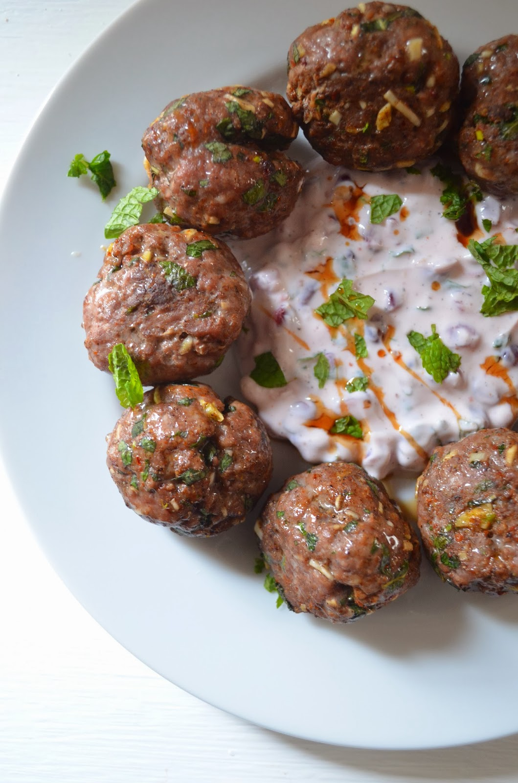 amour fou(d): lamb meatballs with yogurt and pomegranate ...