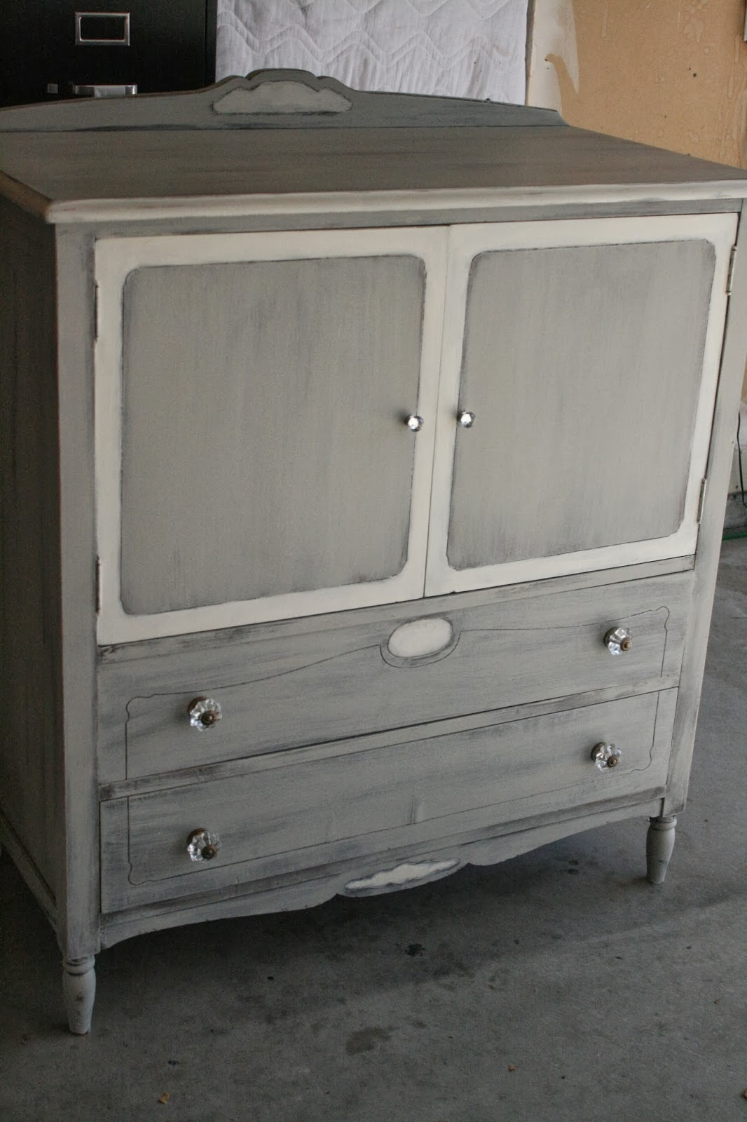 Reloved rubbish nursery furniture redo for Redo furniture