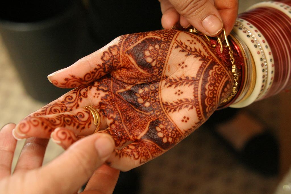 HENNA DESIGNS Red Henna Photos 202