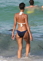 Nicole Murphy getting into the water