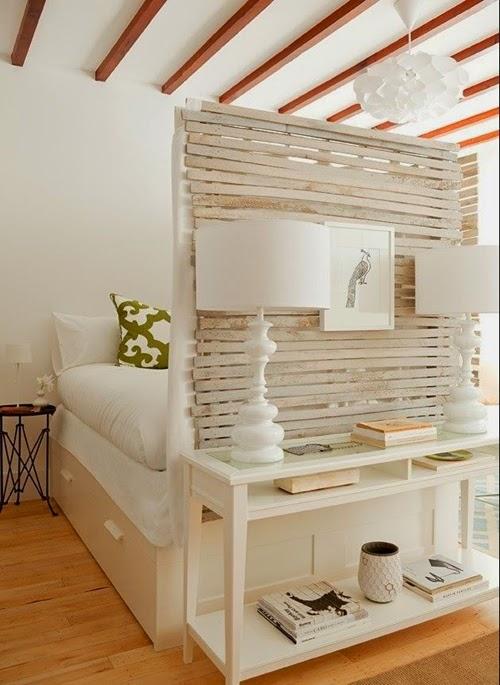 Ideas para espacios pequeños. Salón dormitorio con armario bajo la cama