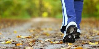 5 Alasan kenapa jalan kaki lebih baik dari berlari