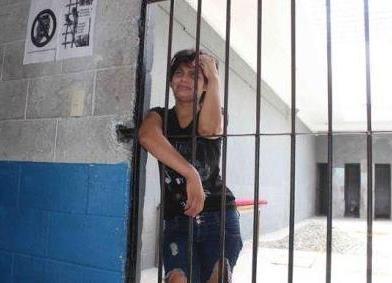 Isteri Malas Di Penjara