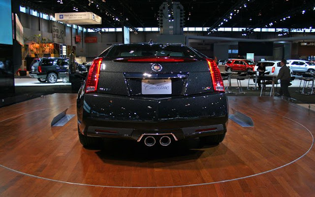 2011 cadillac CTS-V wagon black diamond edition rear view