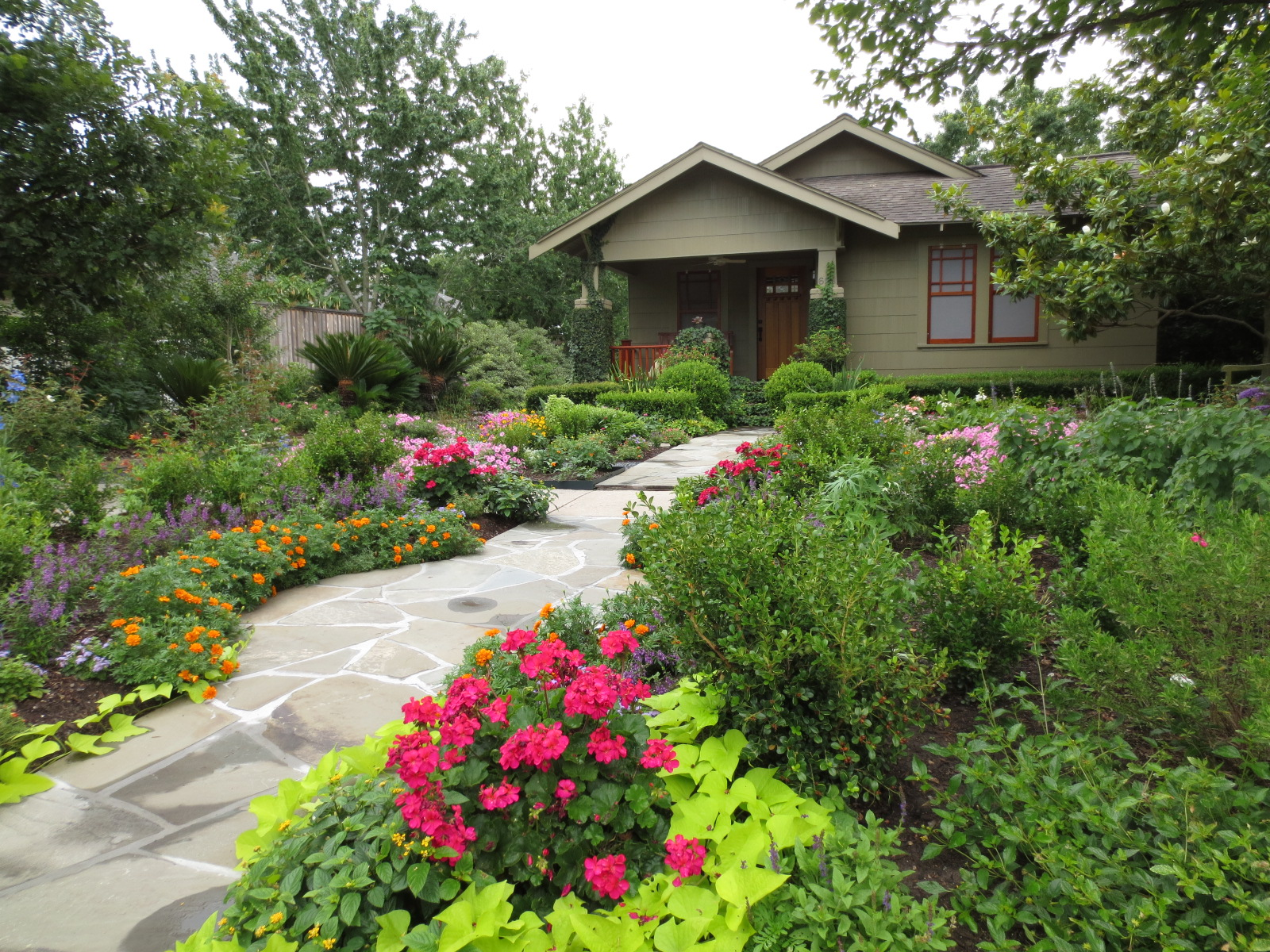 The other houston great bungalow garden ideas for Garden design houston