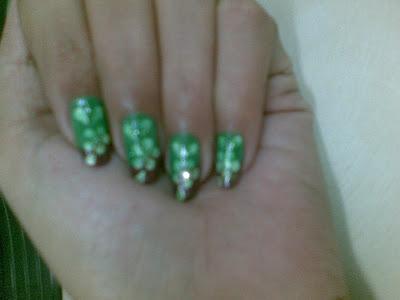 pretty beautiful nail art design by pari sangha