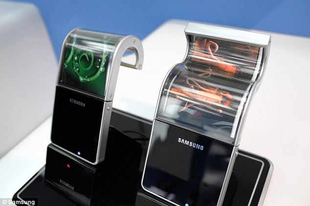 samsung bendable phone ii samsung set to launch smartphones with bendable screens