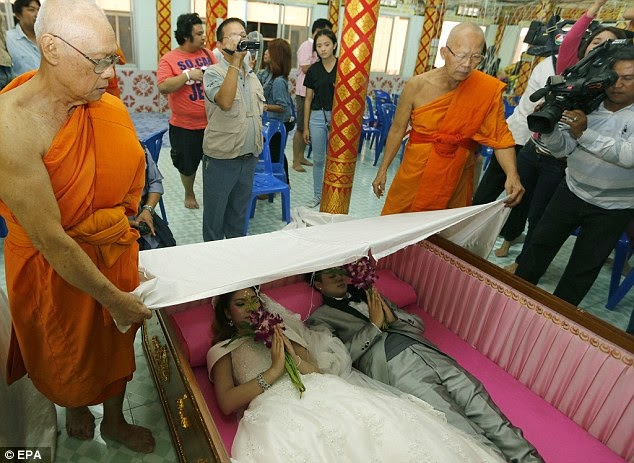 couples married coffin