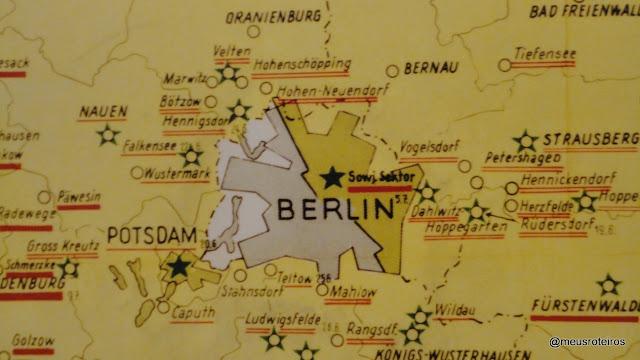 O mapa da antiga divisão da Alemanha - Checkpoint Charlie Museum, Berlin
