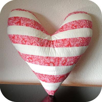 Cose con mimo idea crea comparte almohada del coraz n pamplona - Almohada mimos ...