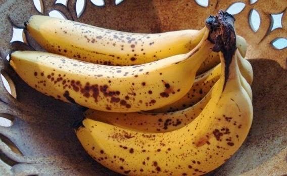 Ini Yang Terjadi Dengan Tubuh Anda Jika Makan Pisang Dengan Bintik Hitam Pada Kulitnya