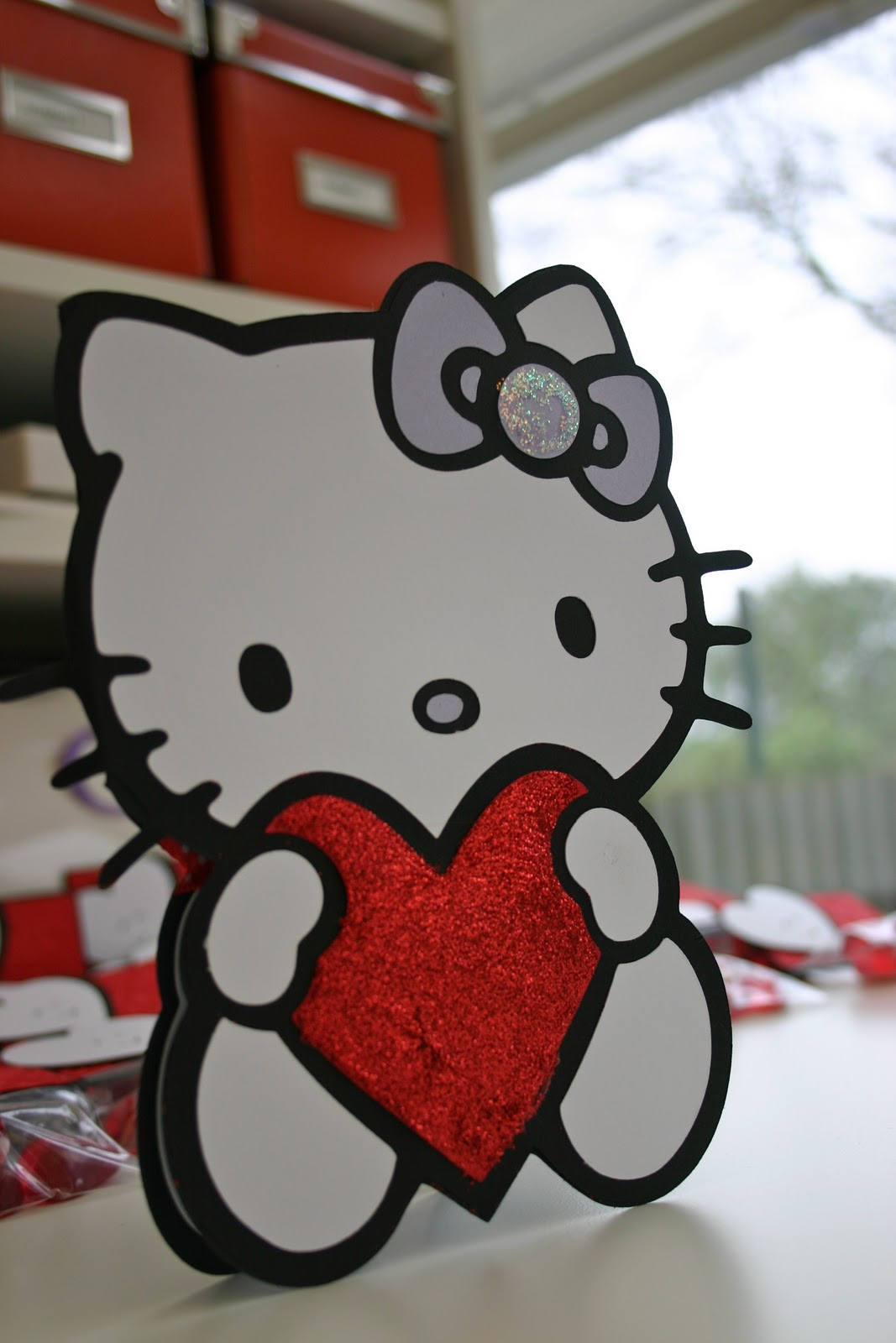 Joselia crafts hello kitty valentines day card black card stock using the card feature on the hello kitty greetings cricut cartridge at 7 m4hsunfo