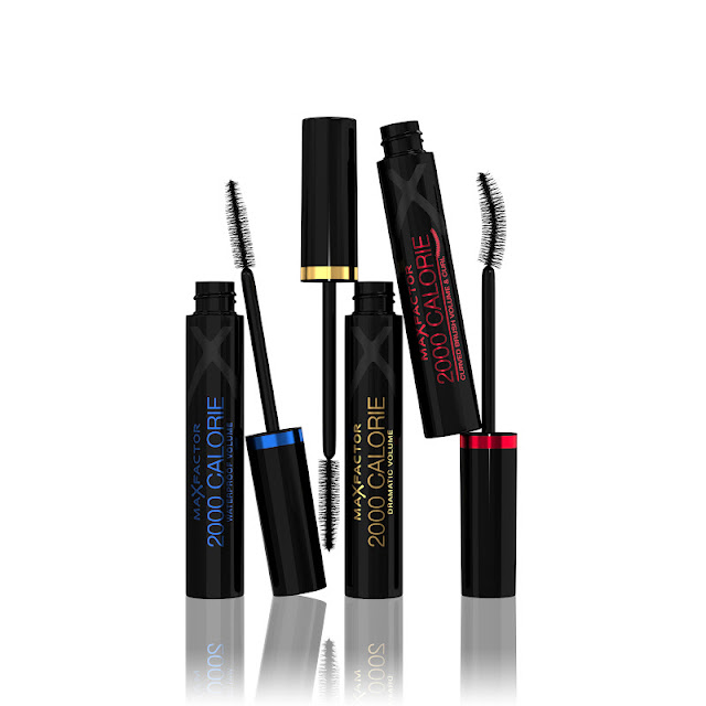 Max Factor Make Up School #1 - Smokey Eyes, Flipstick Colour Effect, Mascara 2000 Calorie Dramatic Volume, Waterproof Volume e Curved Brush Volume & Curl, smalti Glossfinity e Max Effect rajan tolomei evento come applicare il mascara ageless elixir