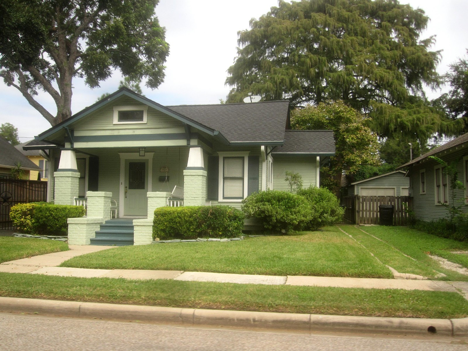 The Other Houston Bungalows In The Norhill Historic District