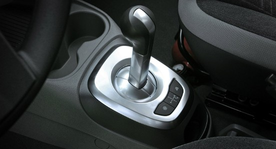 car in Chevrolet Agile LT 2013