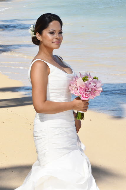 Brides in Honolulu