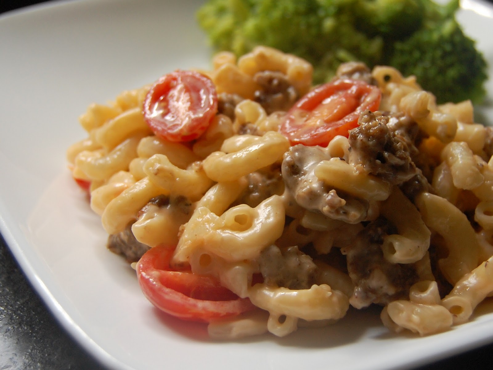 Cassie Craves: Spicy Sausage Macaroni and Cheese