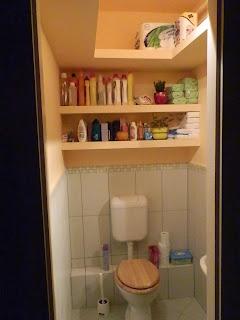 WC gipszkarton polccal.