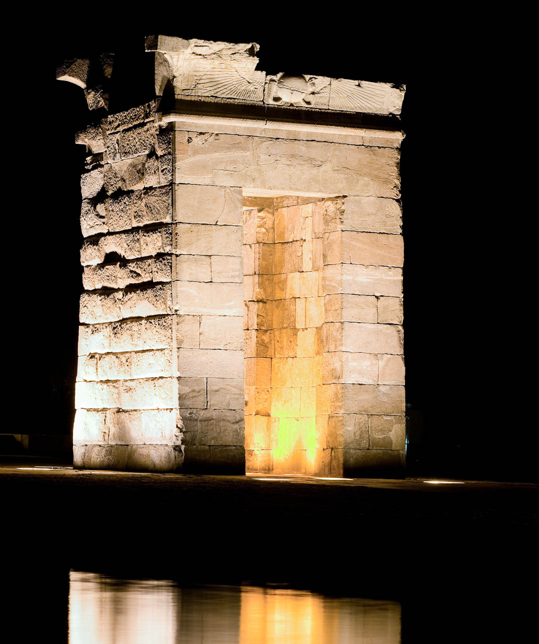 news from the valley of the kings temple of debod at night