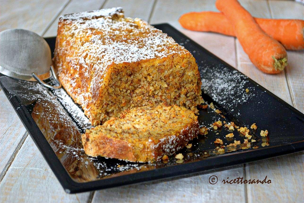 Torta di carote senza farina ricetta dolce per intolleranti al glutine