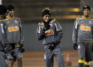 Neymar quiere cambiar la camiseta con Messi