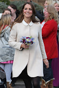 All About Kate Middleton's: Kate Middleton And Prince William Visit Families . (semoga ada yg ksh koin)
