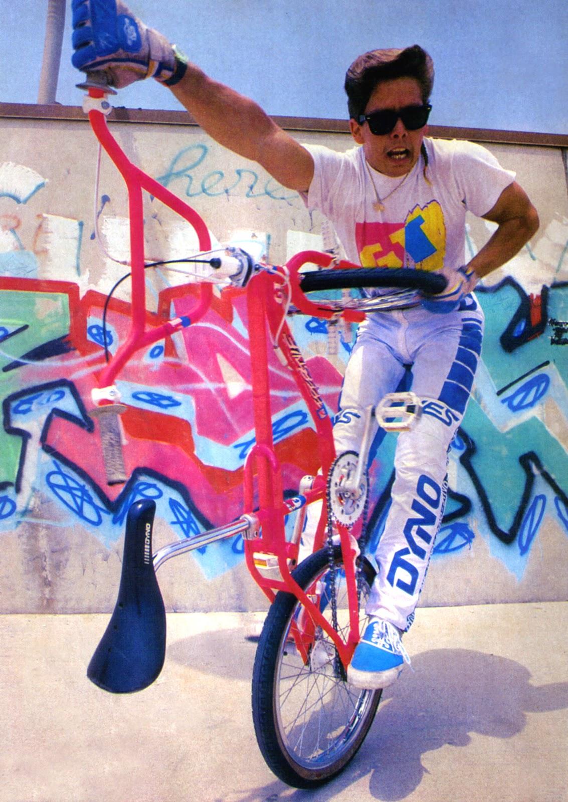 http://2.bp.blogspot.com/-gx_blVSgmPk/UFQBliBw8PI/AAAAAAAAIwU/wpS_5mxHRrA/s1600/Martin+Aparijo+1986.jpg