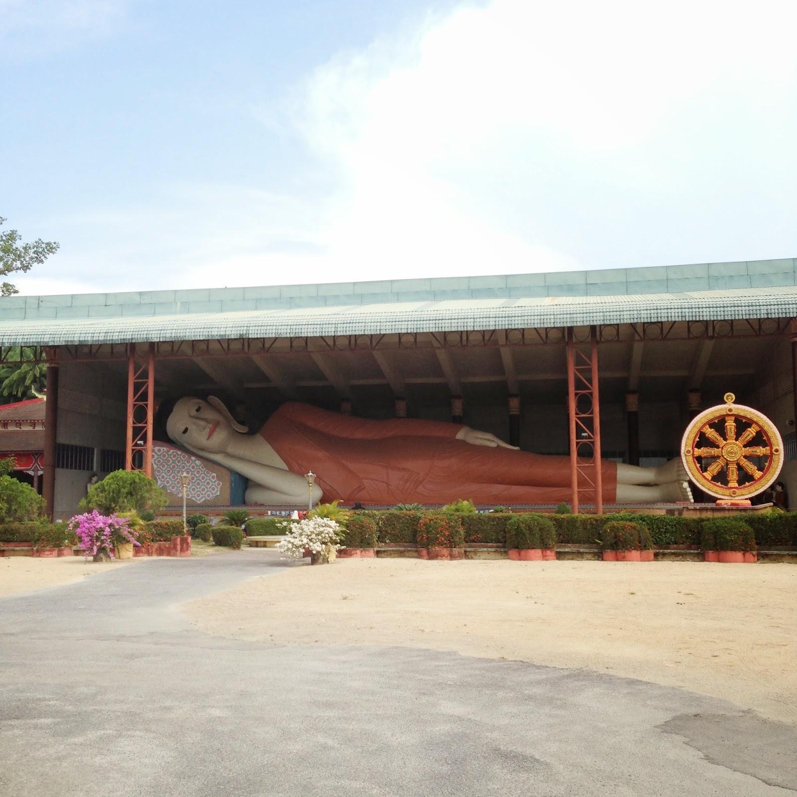 Wat Phothivihan Sleeping Buddha