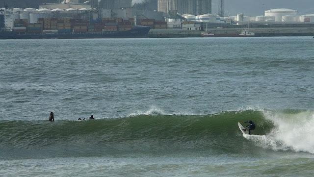 surf en el puerto viejo algorta jefris 06