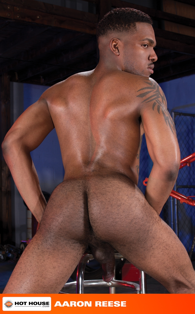 Aaron butt naked wix