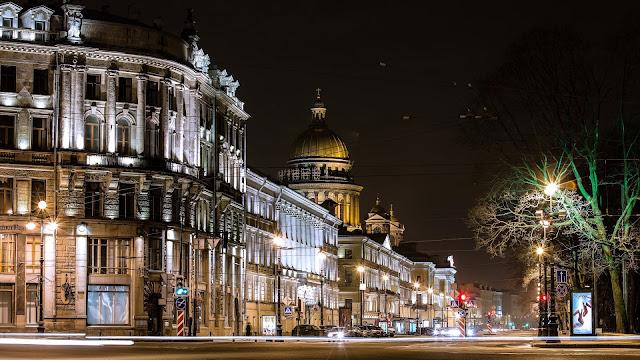 San Petersburgo en la Noche