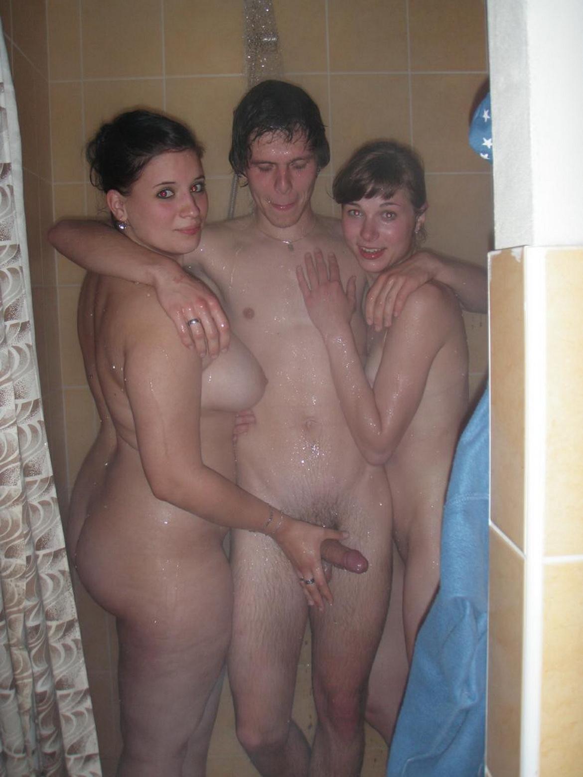 Секс с мамой в души фото 620-837