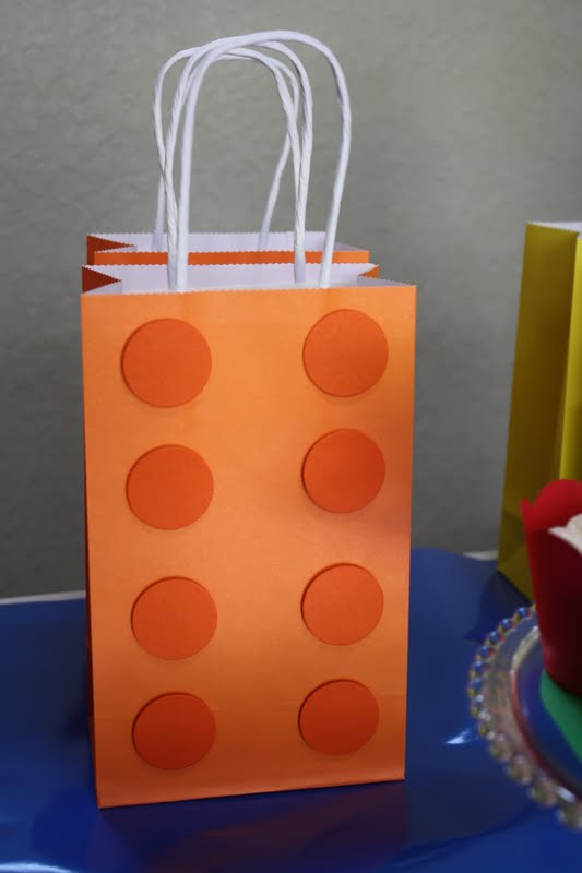 Lego party how to: Lego block party bags tutorial | Farmish Momma