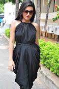 Mishti Chakraborthy latest sizzling pics-thumbnail-19