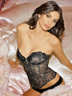 Emiley Ratajkowski Sexy Cleavages in hot lingerie Must see