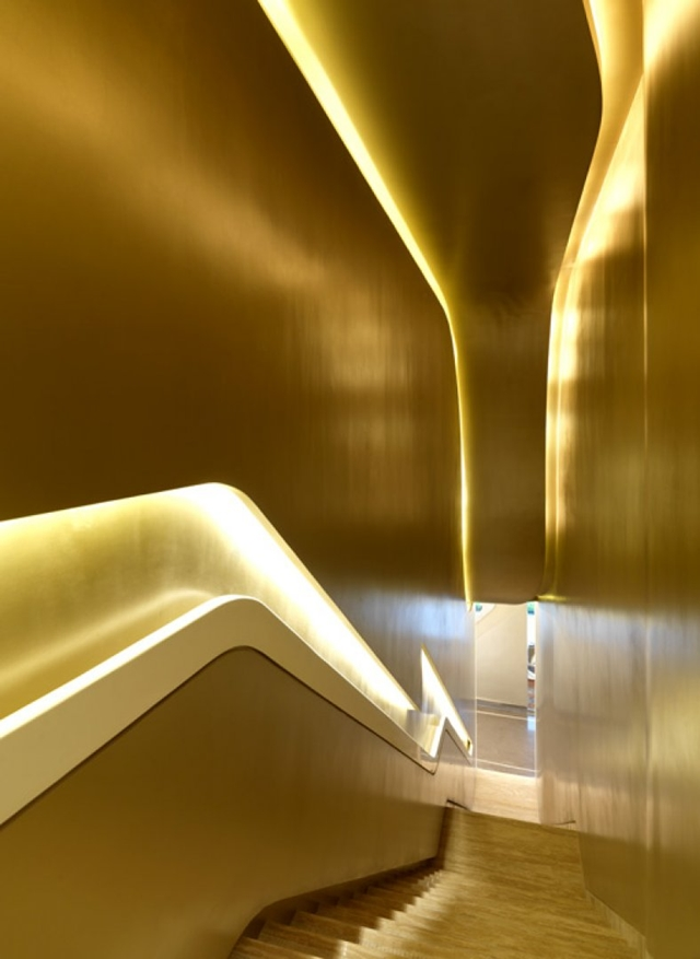 Picture of the staircase with golden lightning