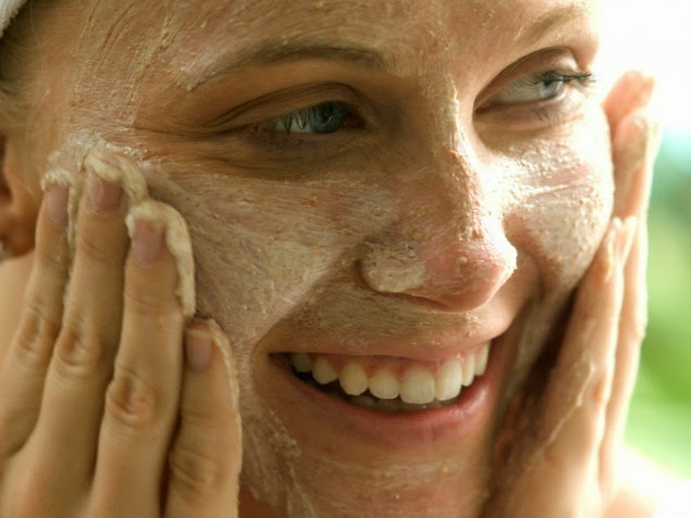 exfoliating-with-alpha-hydroxy-acid