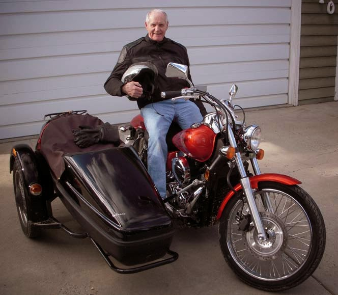 "Hello America, I'm Del ""Lonnie"" Lonnquist, an octogenarian Iron Butt Rider traveling the USA."