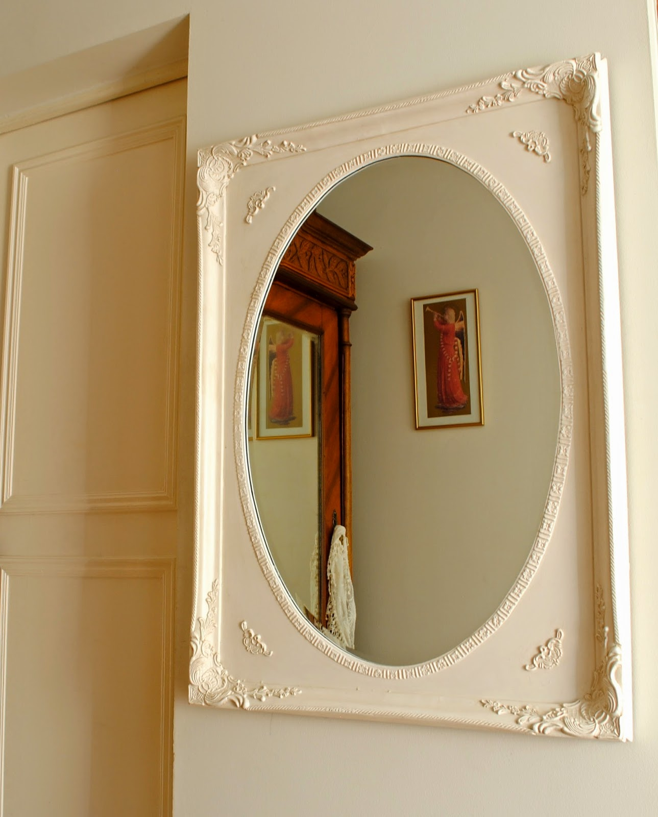 Paz montealegre decoraci n espejos estilo barroco for Espejo ovalado blanco