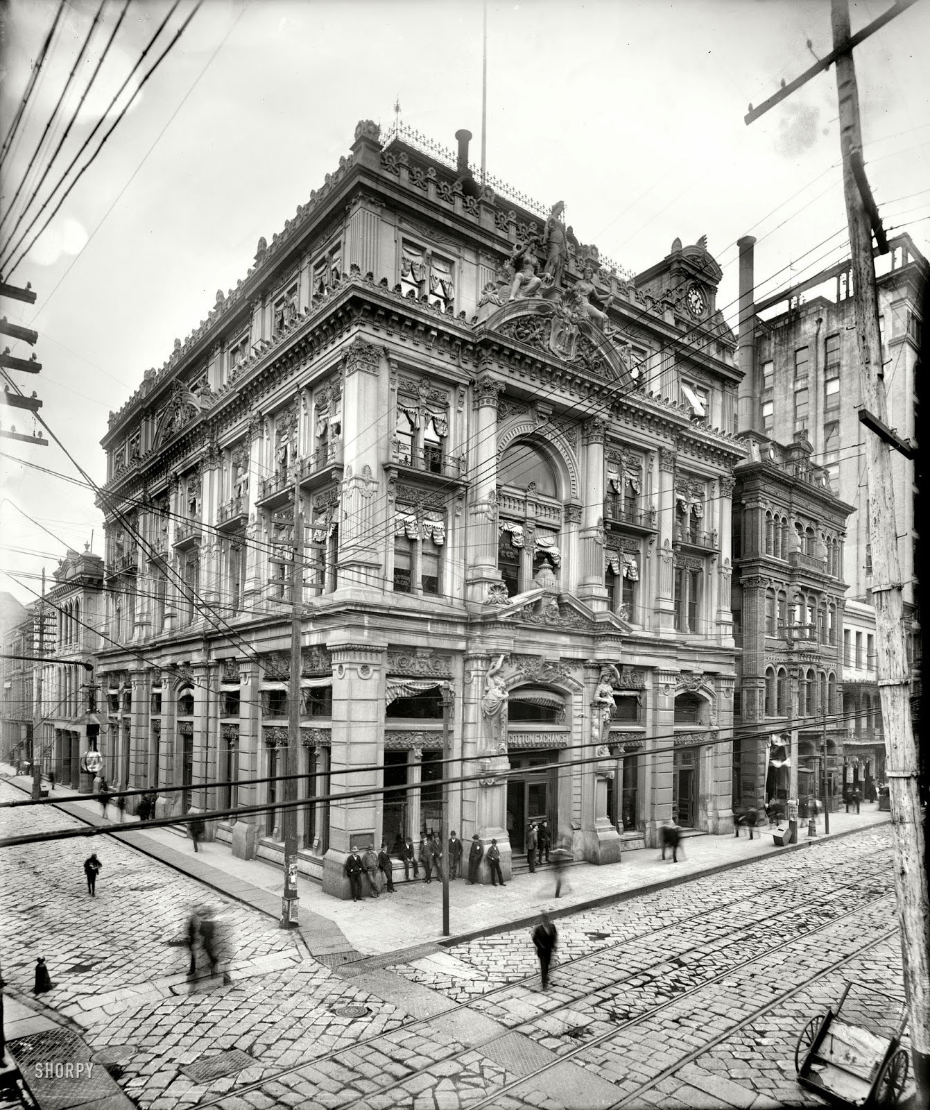 Amazing vintage photos of new orleans from between the for 1900 architecture houses