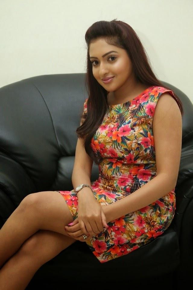 Actress Anjana New Gorgeous Pics