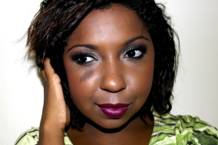 Maquiagem-verde-esfumado-tutorial-preto-cintilante-4