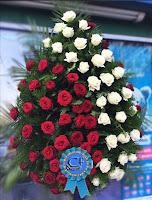 coroana flori trandafiri