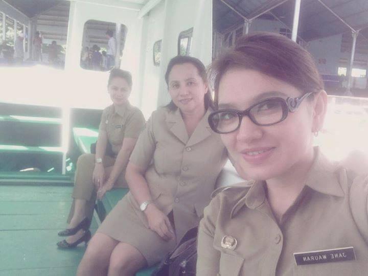 Foto Ibu Camat Junita Jane Wauran & Siti Rohmah Kasir Cantik Indomaret Bikin Heboh Netizen